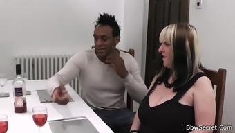 Black spouse betraying on partner by using Big beautiful woman