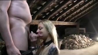 Sklavin auf dem Dachboden gefickt