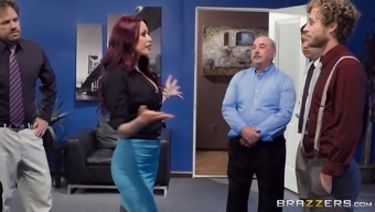 Monique Alexander may spread her both legs for a blindfolded man
