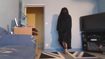 musulmane seins nus fulfillm niqab et jilbab