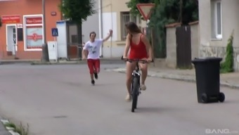 Youngster beauty takes a little time off her cycle cycle for the outdoor pussy pounding