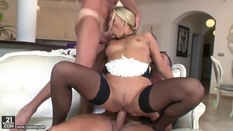 nickname courtney sucking one cock whereas anally driving another