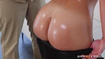 kelsi monroe joking keiran lee with her nice round buttocks