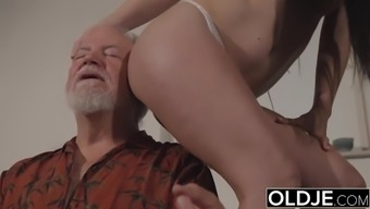 youngster interrupts grand father from yoga and drains his manhood moist