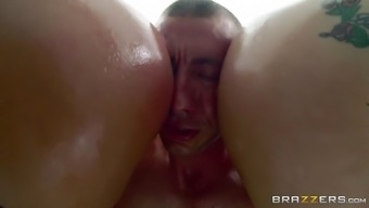 aj applegate and savannah bear urgent such a asses into his have to deal with