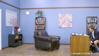 rachel roxxx wedged by skyla novea delivering an under-desk blowjob