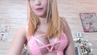 Busty beginner Alexis Adams cums with her great amount things