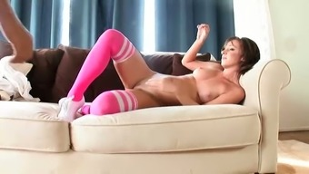 Attractive Jada Stevens needs a large outstanding phallus to actually fulfill her sensual cravings