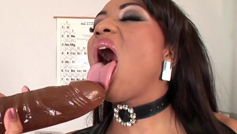 Big treasure Dunia Montenegro poking her butthole with dildo