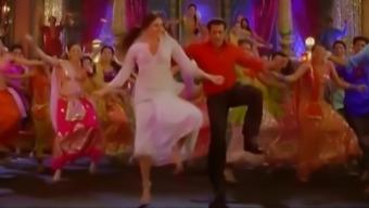 Kareena Kapoor Shiver Off Test (Fevicol Se Book)