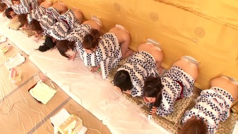 A natural environment Japanese people the real world exhibit with a lot of heated, naked divas