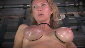 Major breasted mommy with nipple clamps on and gets her muff toyed