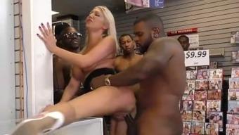 Rectum slut Lexi Lowe gets gangbanged