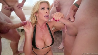 Alexis Fawx knows what actually blowgang sesh is about and he or she treasures sperm