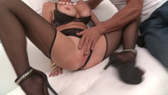 Plus size MILF Veronica Avluv is getting dicked more easily than ever!