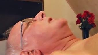 Teenager masseuse fucking old consumer throat gagging sperm digest