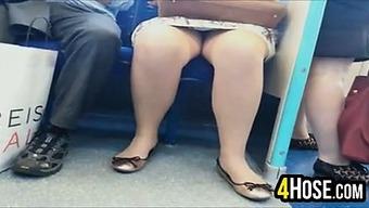 Upskirt Upon the Subway