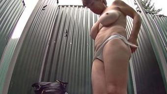 Big tits Ladies in Bathe
