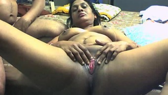 Beginner arena with the use of Indian BBW girlfriend getting box among the pussy