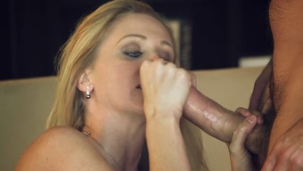 After having a good pussy thumping Julia Ann swallows his sperm