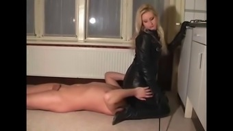 Leather Mistress and Her asslicking cash source