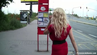 Public bus Refrain from Gal GIVES Mindblowing BLOWJOBS