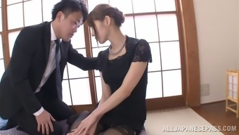 Japanese mother wearing stockings savours some naughty bumping