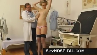 Mature gyno doctor manages a hidden cam