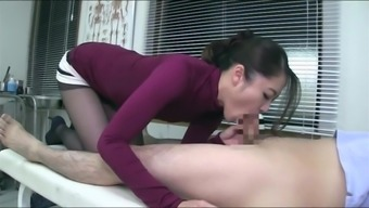 Doctor Blowjob and upper legs position