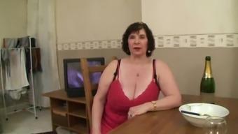 Beginner Plus-size woman GRANNY Great Titties Panel Intercourse
