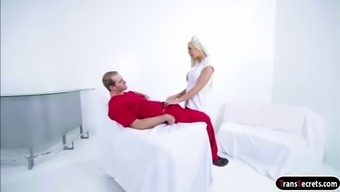 Ts clinician Aubrey Kate gives head and consequently is fucked from the physician