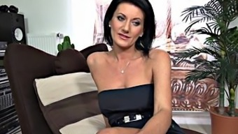 Youthful Mum Exhibits Pussy