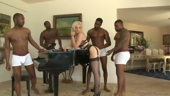 Soiled wifey Jenna Pink is betrayal on top of her partner a lot of cardinal dudes