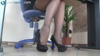 While in the business office this wayward love reveal her pretty both your feet