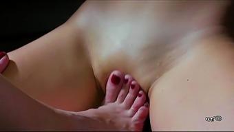 SILVIA RUBI IS Courses MELISSA (leg craze)