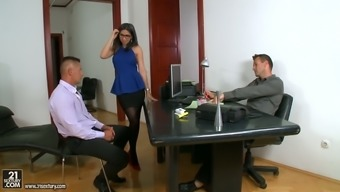 Awesome Spanish desk Julia en Lucia gets double infiltrate after business venture meeting up with