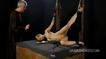 Little slaves pussy spanked