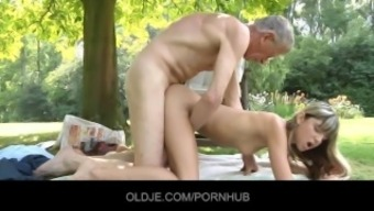 Oldman hooked and fucked by hornyTeeny