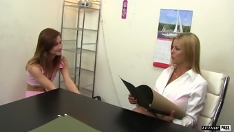 Alaina Dawson and Alexis Fawx play each other's tight gaps