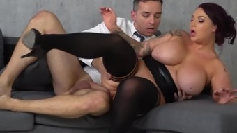 Voluptuous boss Harmony Reigns can't get enough of employee's big fat cock.mp4