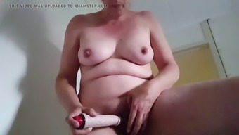 Xandra stimulating her big clit and huge pussy lips