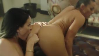 Pleasures in the boudoir