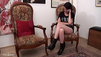 Elle loue son cul a deux potes pour 50 euros
