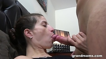 Svelte leggy brunette is ready to get her shaved pussy fingered and licked
