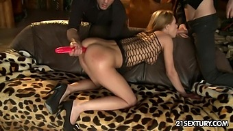 Dirty whore Kery Miller gets her anus stretched and destroyed