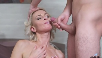 Hot ass mature Artemia spreads her legs to be fucked by a lover