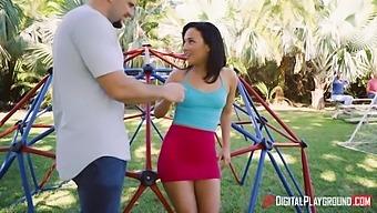 Wild and voracious Amara Romani turns walking into wild sex outdoors with Johnny Sins
