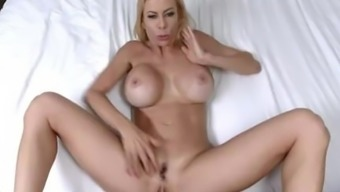 Heated MILF gets her lips choked with ejaculation - Alexis Fawx