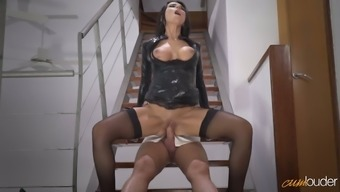 Delicious raven haired MILF in beautiful leather-based mens winter coats gets fucked on steps tough