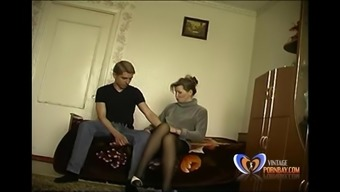 Slut Stepmom makes her nineteen years old youngster misses his virginity